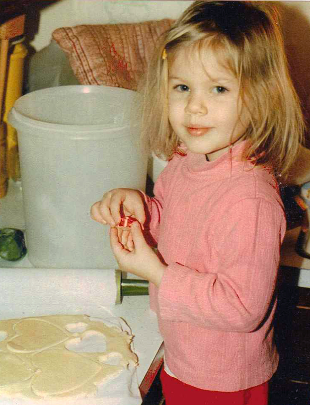 Little Lisa baking - talksweettome.com