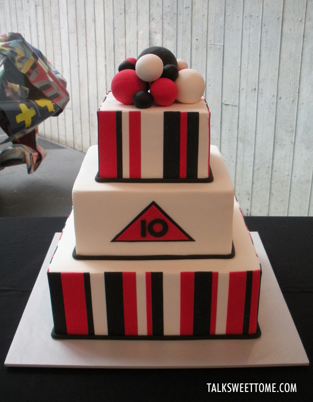 Red and black anniversary cake - Talk Sweet to Me - Talksweettome.com