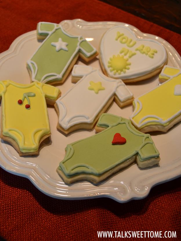 Finished cookies on plate2 - talksweettome.com
