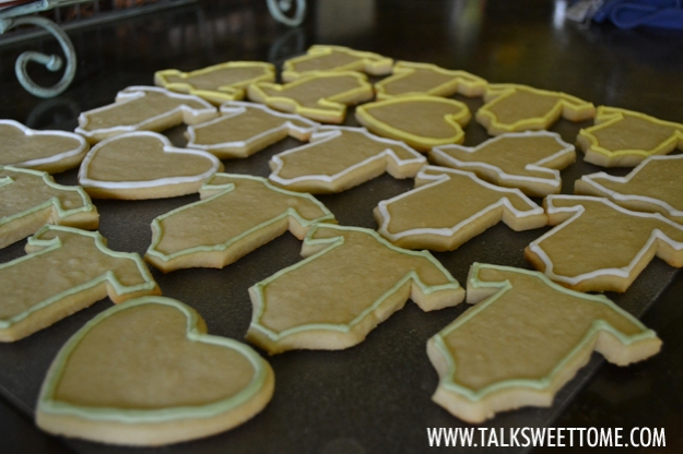 Outlined cookies - talksweettome.com