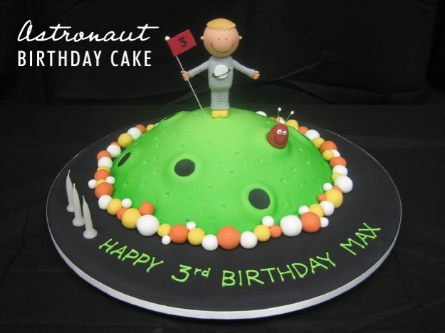 Astronaut birthday cake- Talk Sweet to Me