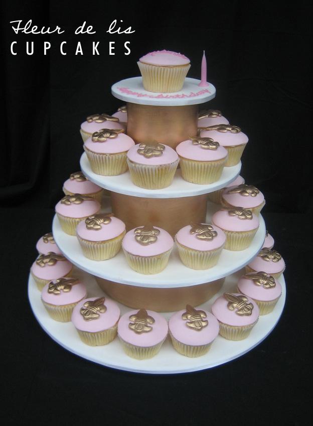 Fleur de lis cupcakes - Talk Sweet to Me
