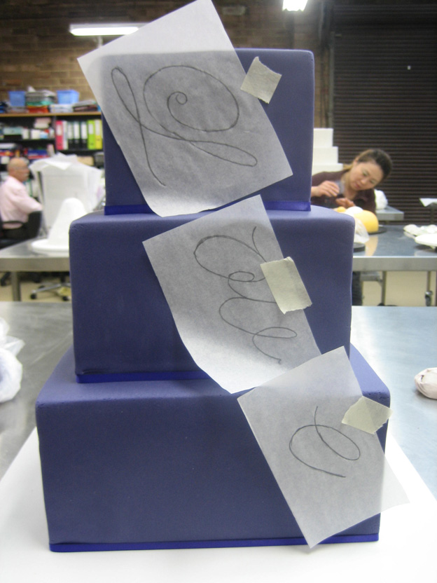 Tracing onto love bling cake - Talk Sweet to Me