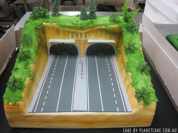 Ritzys tunnel cake