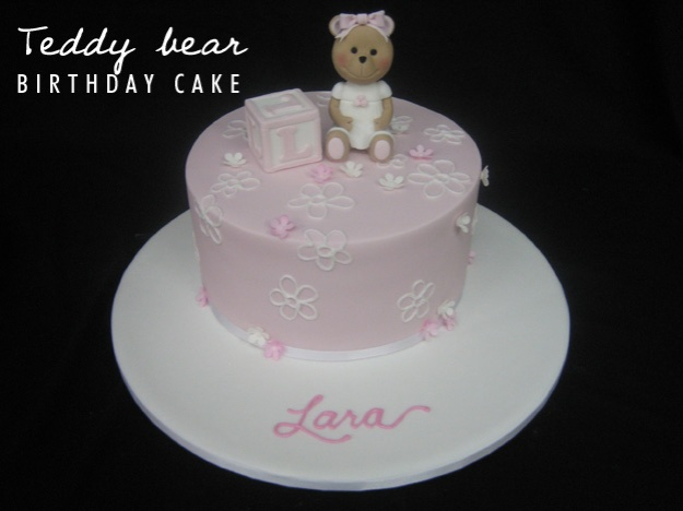 Teddy bear birthday cake - Talk Sweet to Me