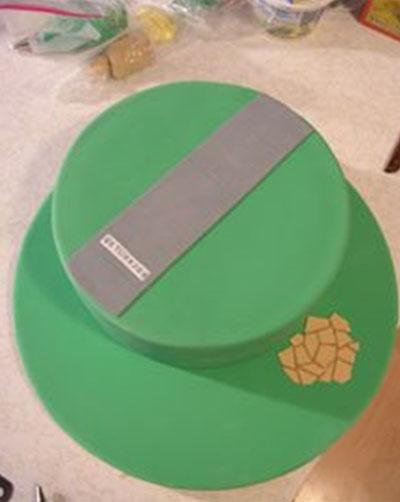 Cake and beginning decoration
