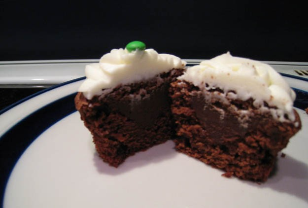 Mint chocolate cupcakes with chocolate ganache filling - Talk Sweet to Me