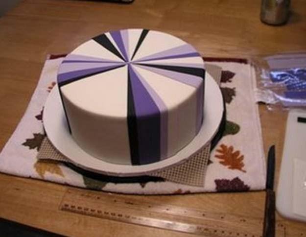 Putting stripes on cake - Talk Sweet to Me